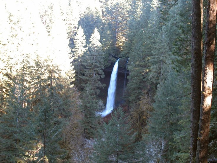 Silver Falls: North Falls closer up 25